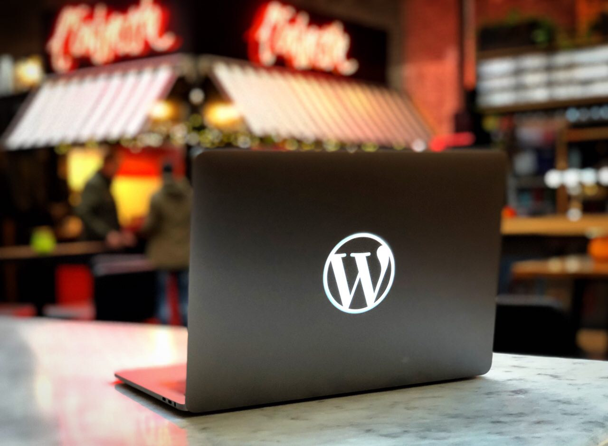 Custom Macbook Pro shell photo Wordpress